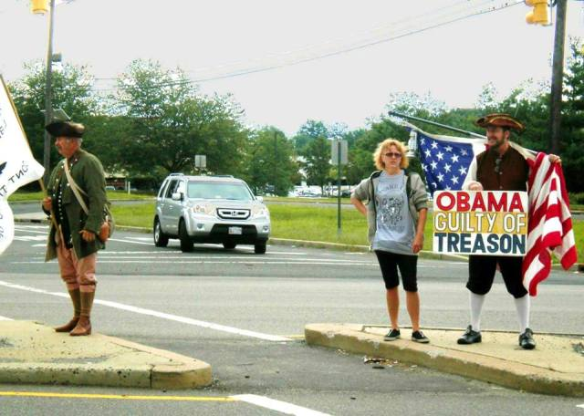 Impeach Obama Protest in Edison, New Jersey  Click to go to theater.